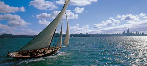 Experience Emirates to New Zealand