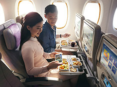 Economy Class dining | Dining | The Emirates Experience | Emirates