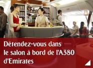 Détendez-vous dans le salon à bord de l'A380 d'Emirates