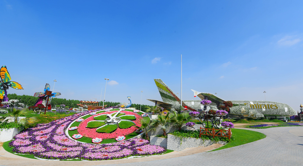The installation is the largest structure to ever be built at the garden and is set on a flowerbed of 7,460 square metres, roughly 10% of Dubai Miracle Garden.