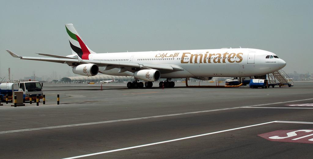 An Emirates A340-300