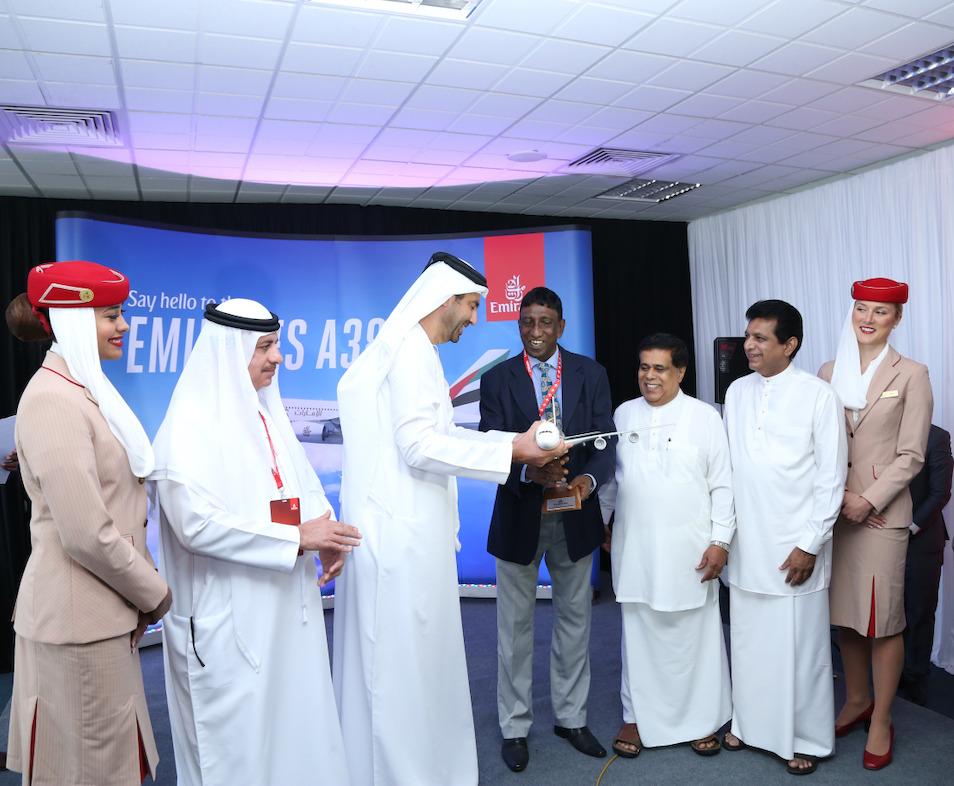 H.E. Abdul Hameed Abdul Fattah Kazhim Al-Mulla , Ahmed Khoory, Hon. Nimal Siripala de Silva M.P. and senior officials exchange gifts
