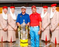 Louis Oosthuizen with Emirates representative and cabin crew