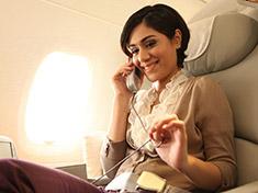 Serviço de telefone, SMS e e-mail no seu assento