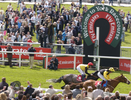 Sgt. Cecil wins the Emirates Airline Yorkshire Cup